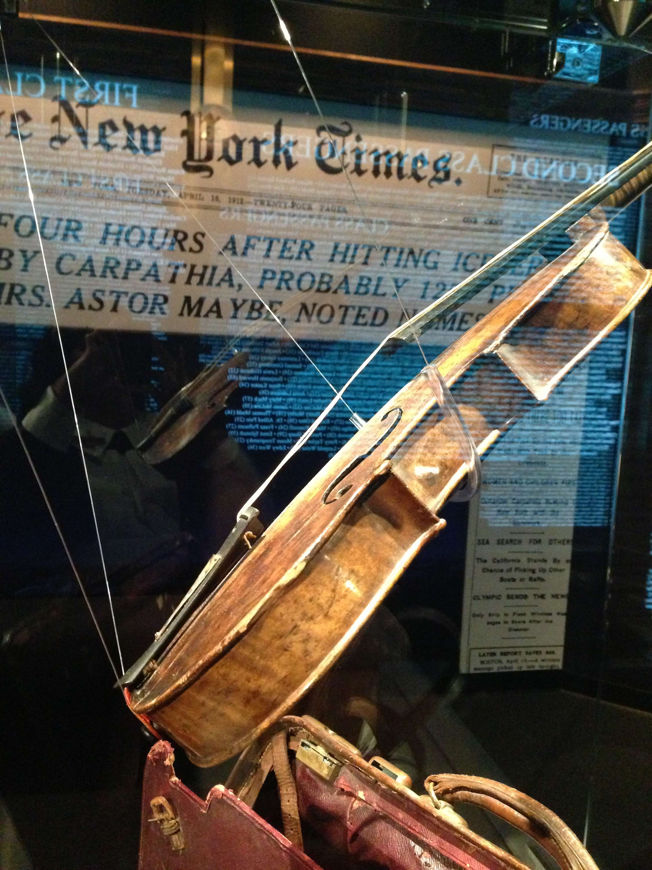 Titanic_Violin_and_NY Times